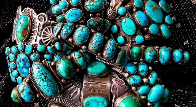 See and touch lots of beautiful Navajo Jewelry on 2/7-8!!